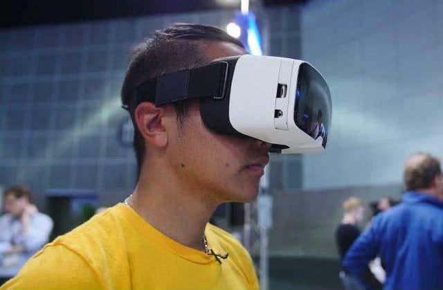 万至达VR眼镜瞳孔间距调节电机解决方案